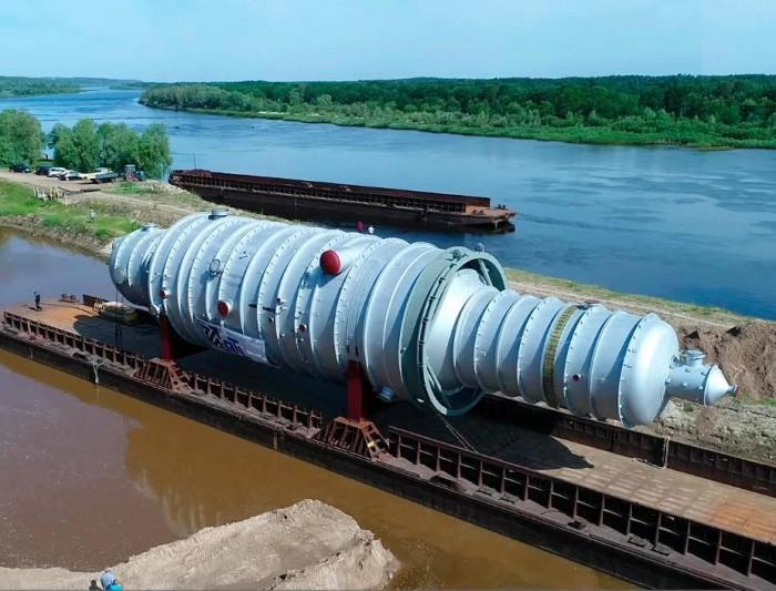 Білоруське річкове пароплавство показало, як доставлявся унікальний вантаж по Дніпру і Прип'яті (відео)