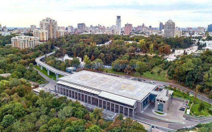 Вертолітний майданчик Януковича у Києві передали громаді міста