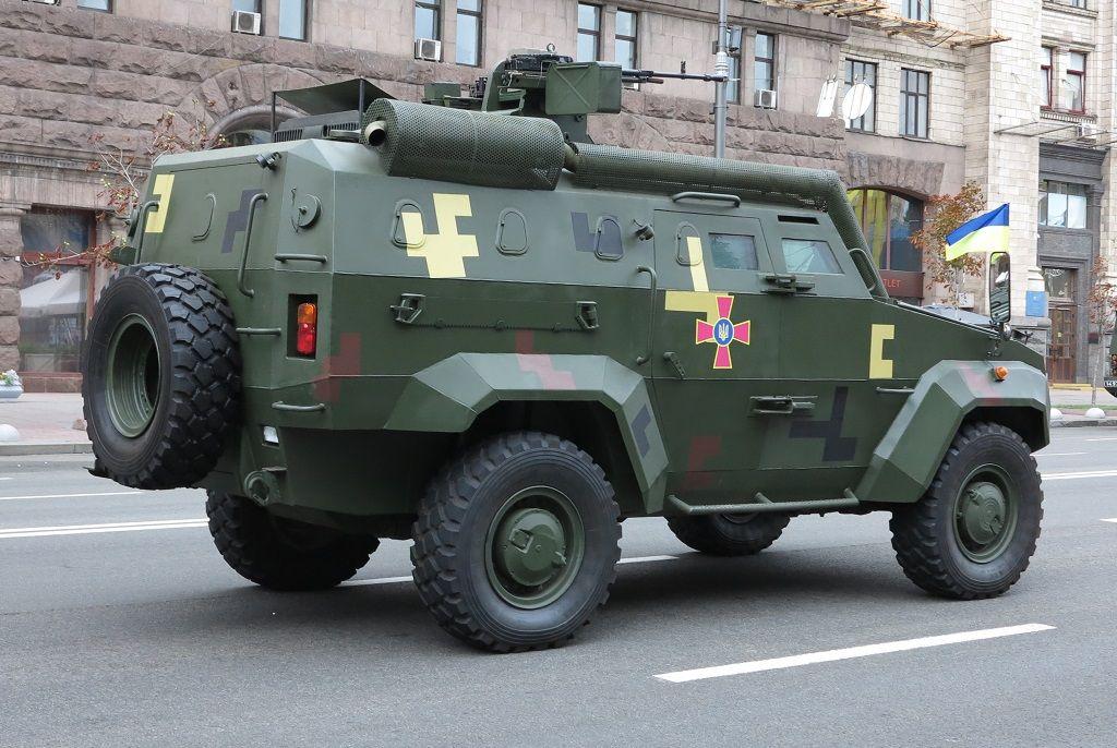 """Бронеавтомобіль """"Тритон"""" з бойовим модулем """"ОБМ"""""""