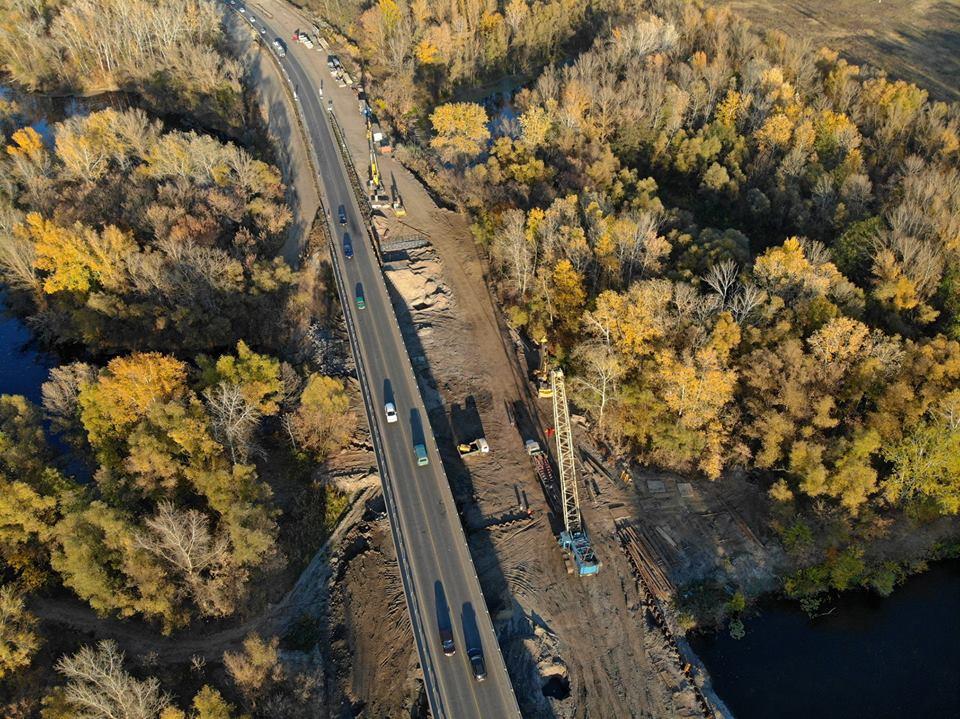 Триває будівництво мосту через річку Псел а автомобільній дорозі М-03 Київ - Харків (фото)