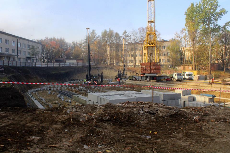 У Хмельницькому почали будувати новий корпус обласної дитячої лікарні (фото)