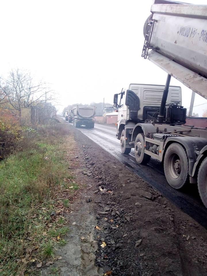 Відновлення автошляхів: Білоруський підрядник ремонтує автодорогу Т- 10-01 у Київській області