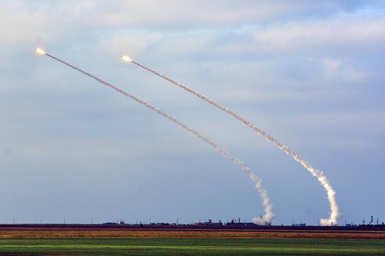 SAM firing S-300 S-125 air defense