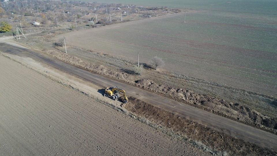 Відновлення автошляхів: Ремонтні роботи на автодорозі Т-16-25 в Одеській області (фото)