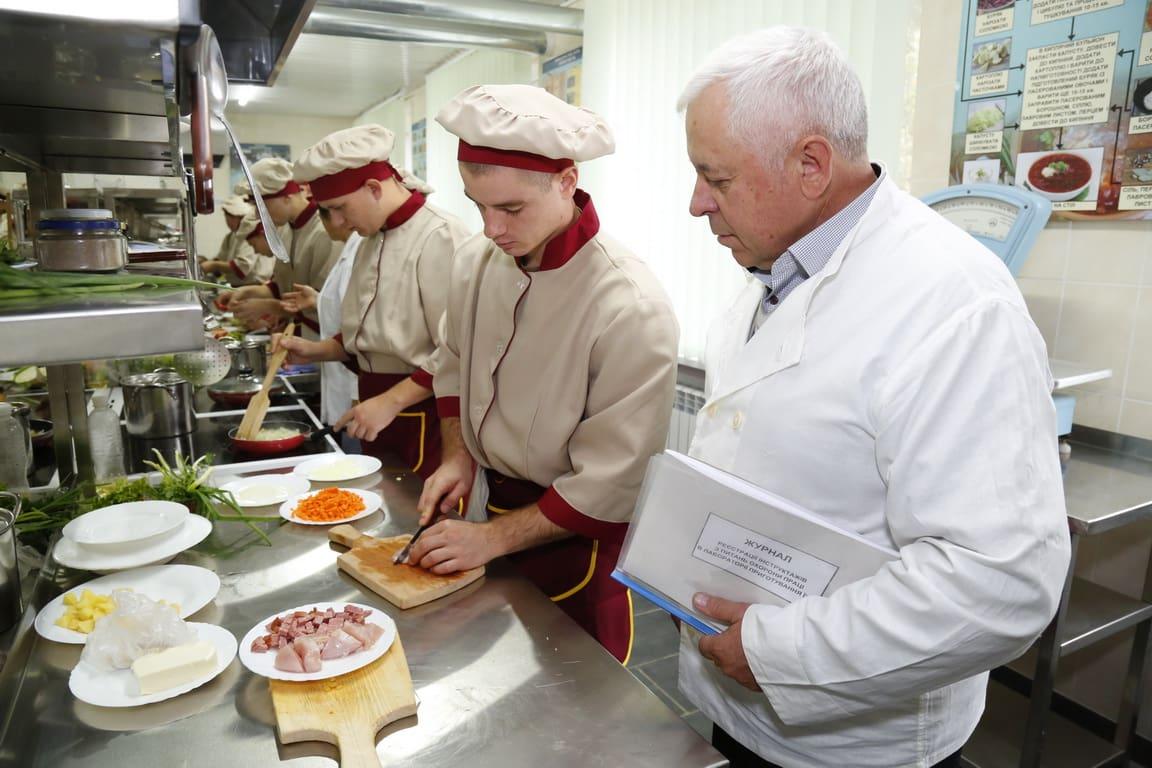 В Одесі у Військовій академії створено сучасну лабораторію з приготування їжі (фото)