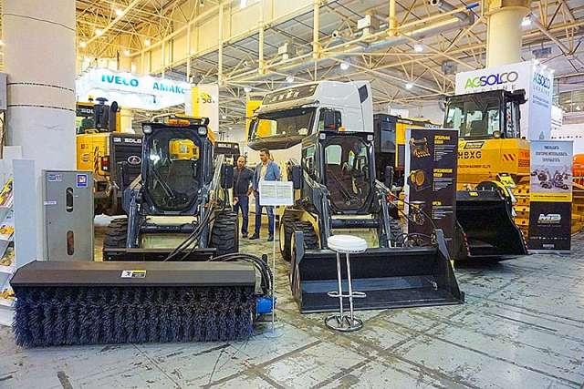 В Україні з'явився новий виробник навантажувачів