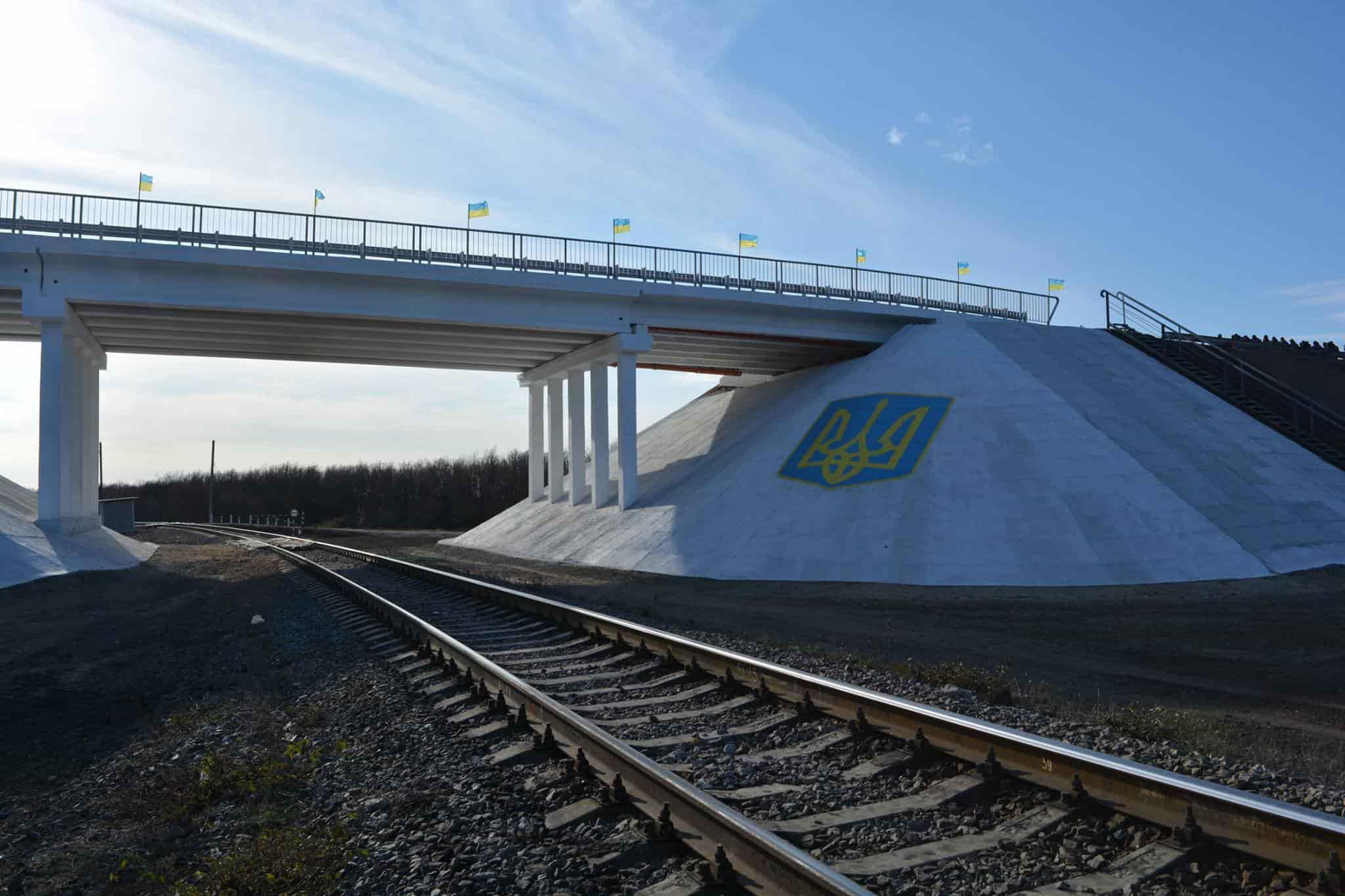 На Луганщині військові будівельники відновили підірваний бойовиками міст