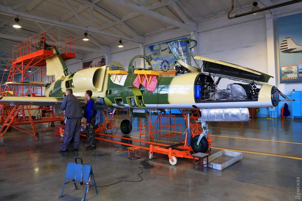 Одеський авіаційний завод ремонтує літаки Болгарії (фото)
