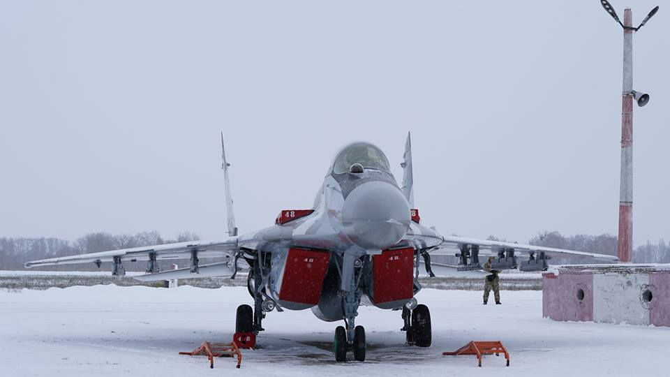 Передача Збройним силам України великої партії авіаційної техніки