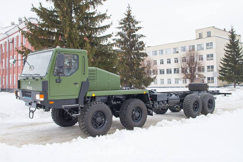 КрАЗ відвантажив українським військовим самохідне шасі 8х8 (фото)